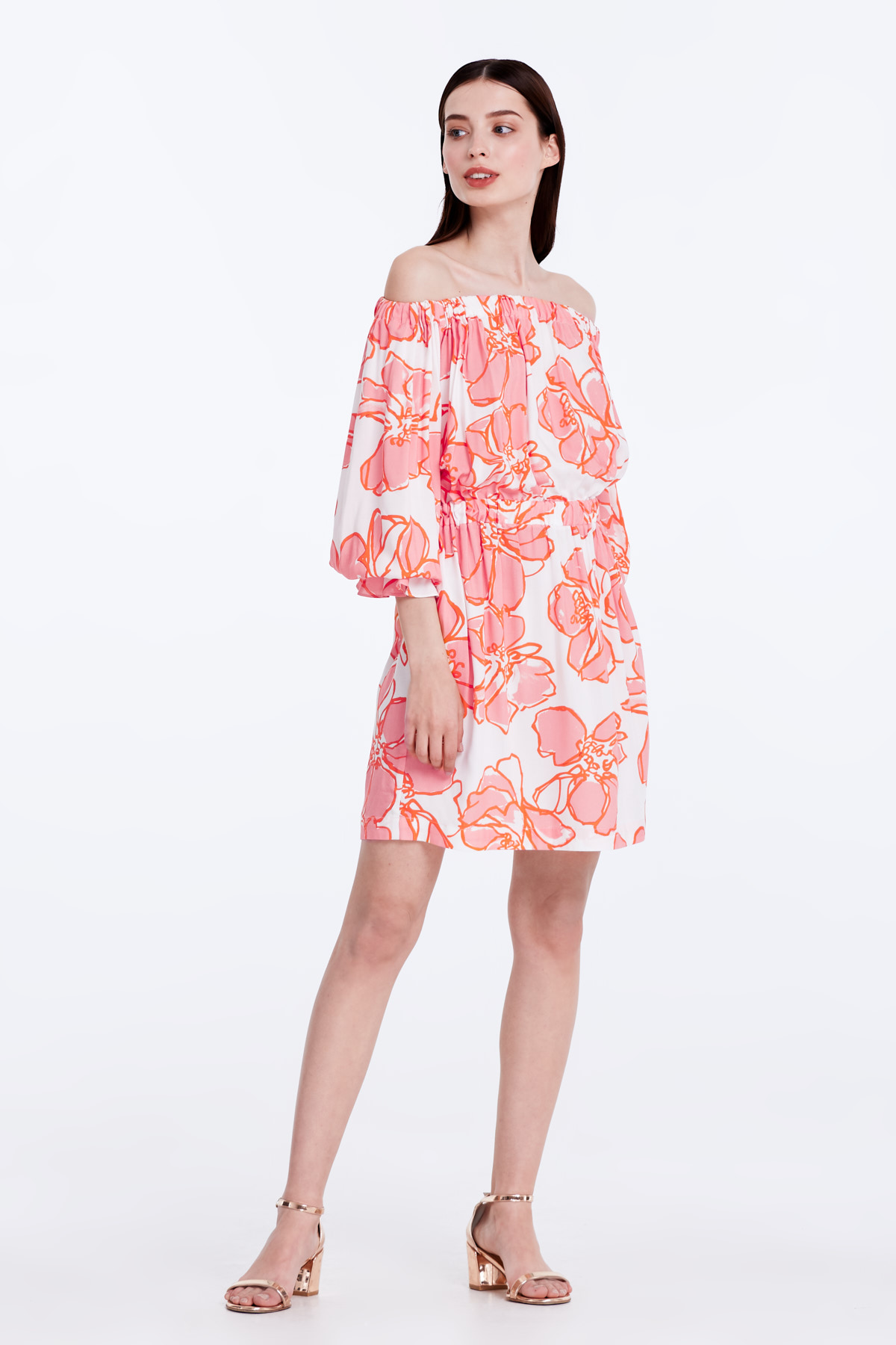 2056ed2c37d1 Off-shoulder white dress with a floral print photo 5 - MustHave online store