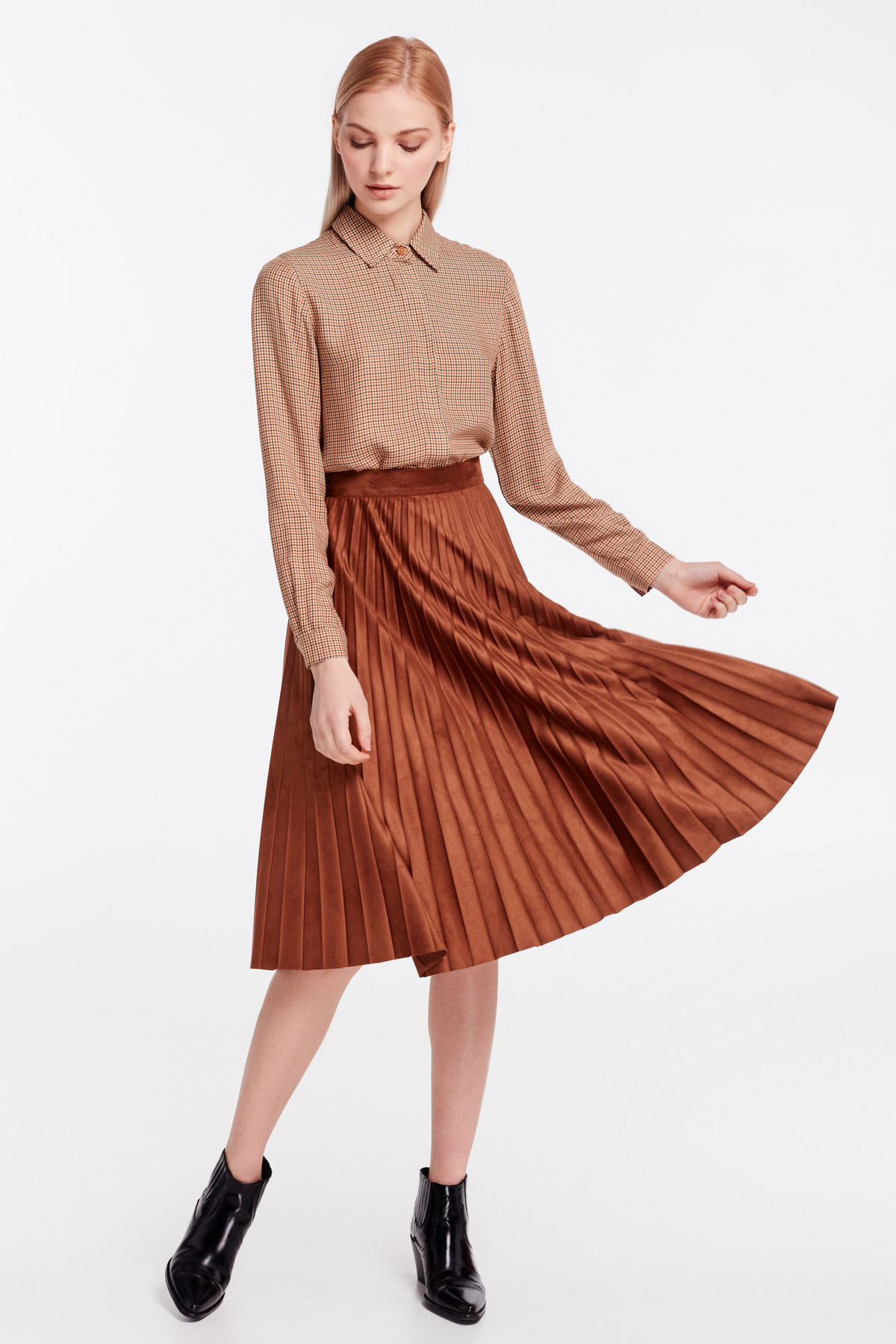 5e46473ce3 Brown suede pleated skirt photo 2 - MustHave online store