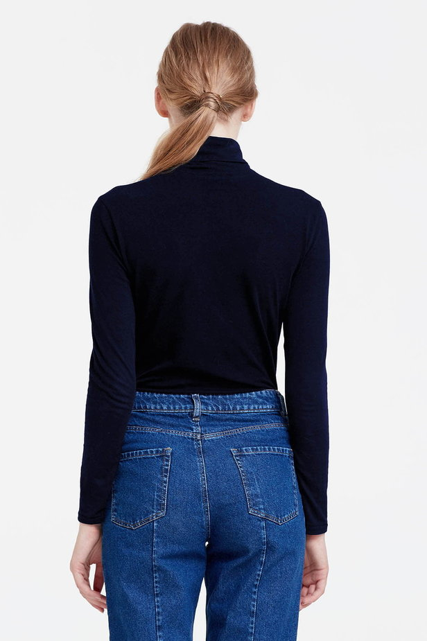 Dark blue polo neck photo 3 - MustHave online store