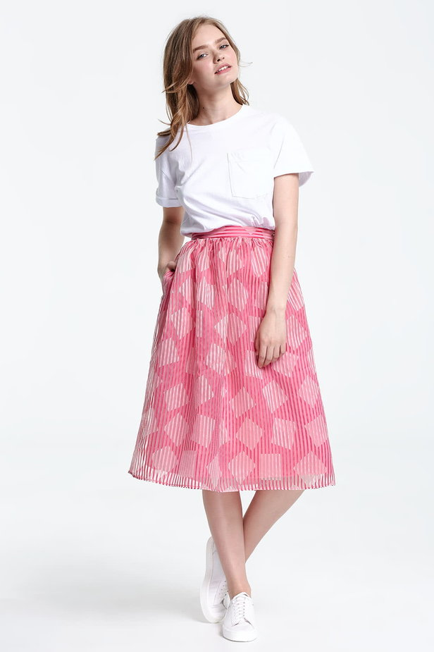 Below the knee striped pink skirt, rhombs print photo 5 - MustHave online store