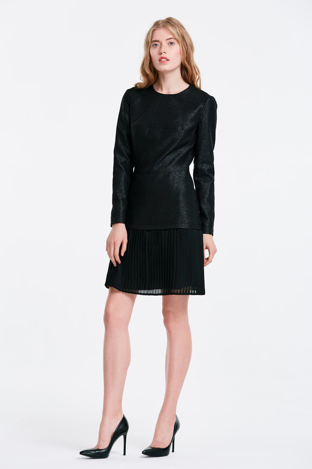 Black dress with a pleated skirt photo 3 - MustHave online store