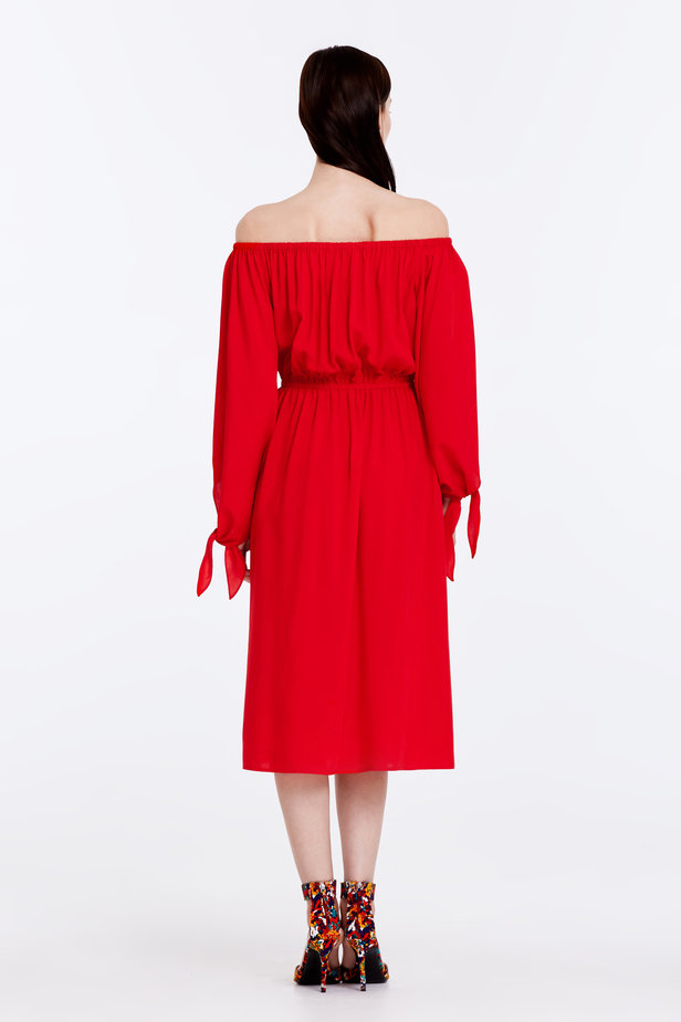 Off-shoulder red dress photo 7 - MustHave online store