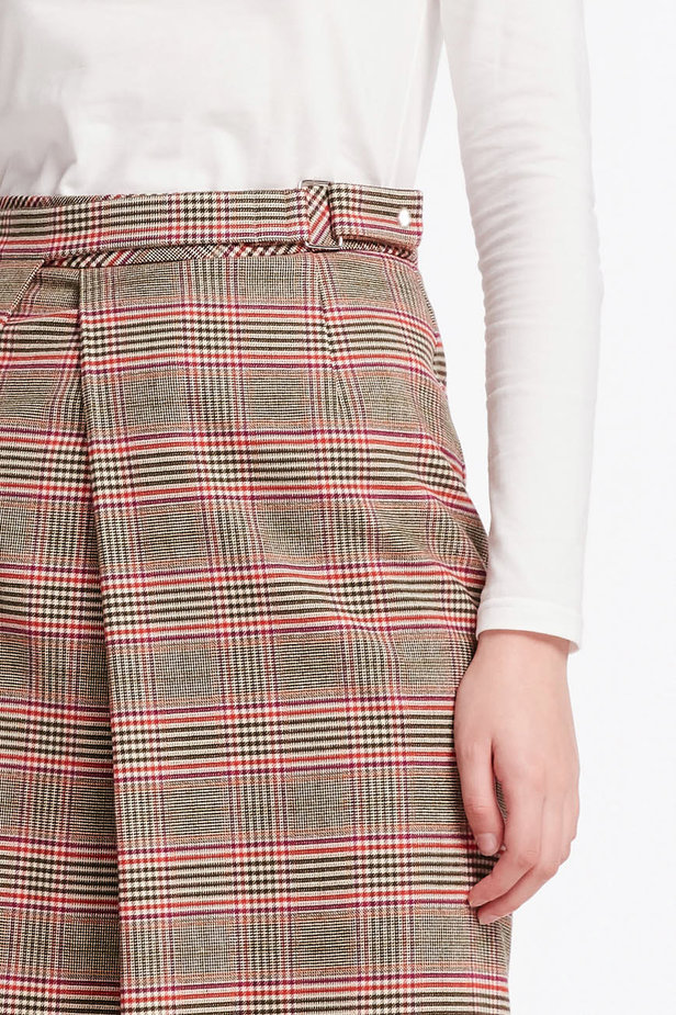 Checkered skirt with a pleat photo 6 - MustHave online store
