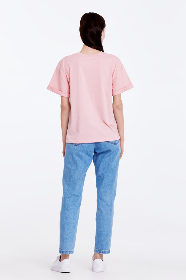Loose-fitting pink T-shirt with cuffs photo 6 - MustHave online store