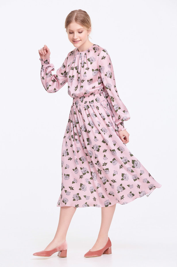 Pink dress with pleats and a floral print photo 2 - MustHave online store
