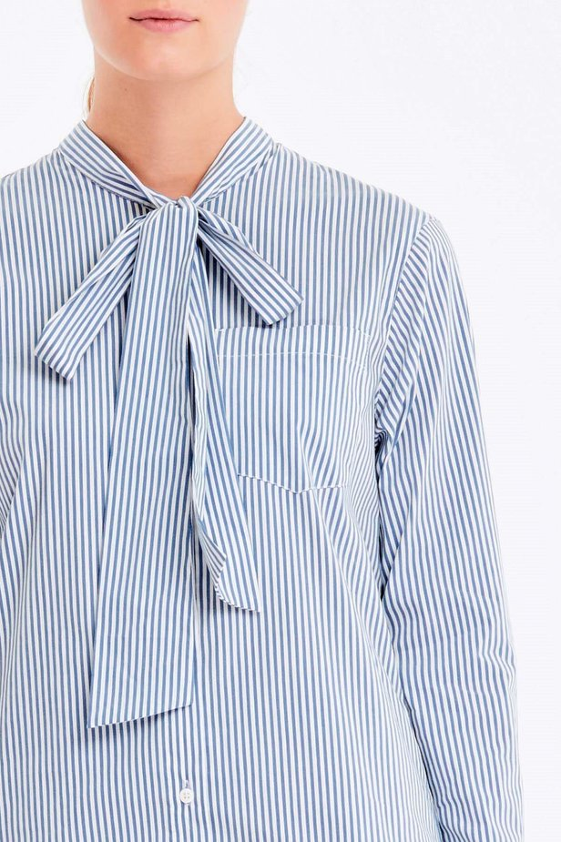 Striped shirt with a bow photo 2 - MustHave online store