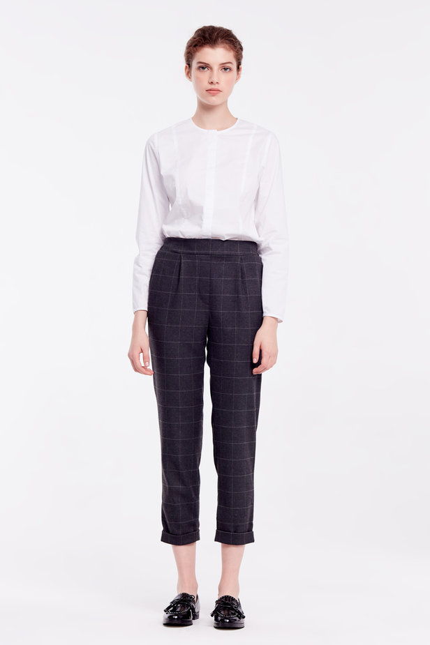 Loose grey checkered pants with cuffs photo 2 - MustHave online store