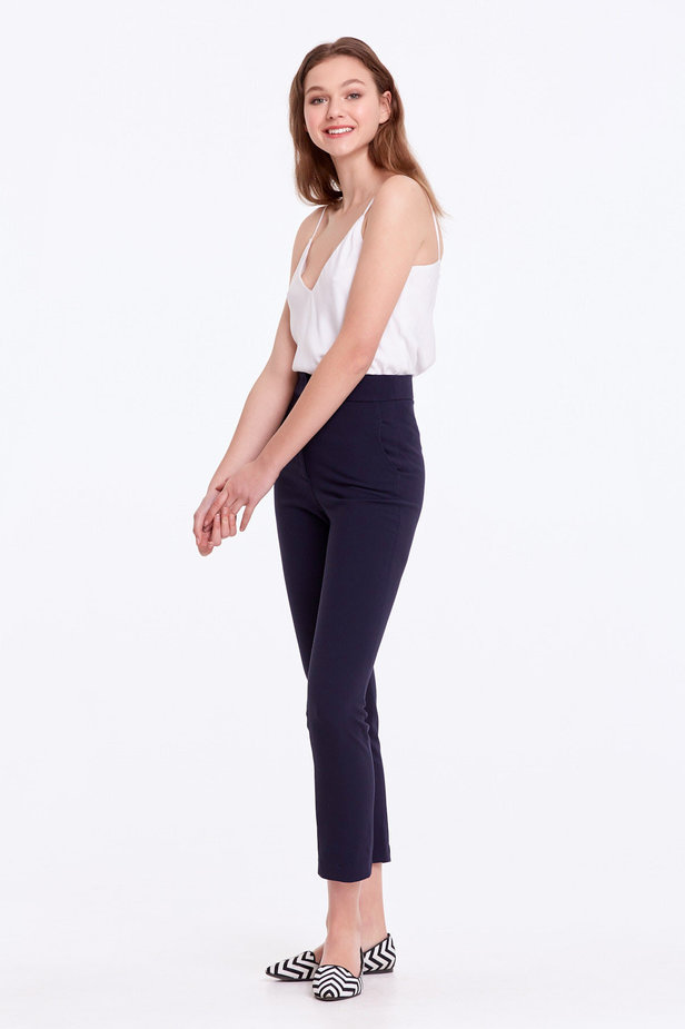Short dark blue trousers photo 3 - MustHave online store