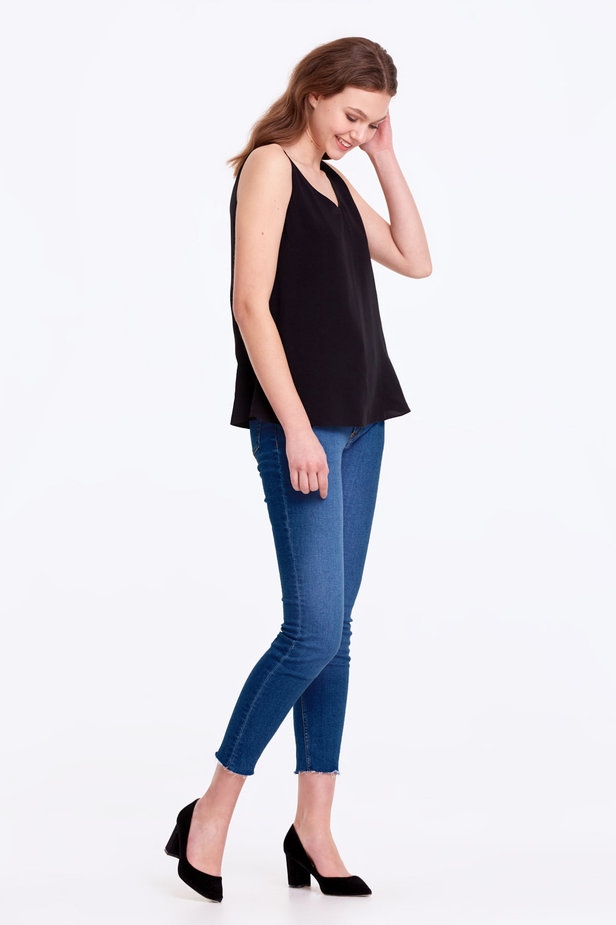 Black top with a scoop neckline photo 4 - MustHave online store