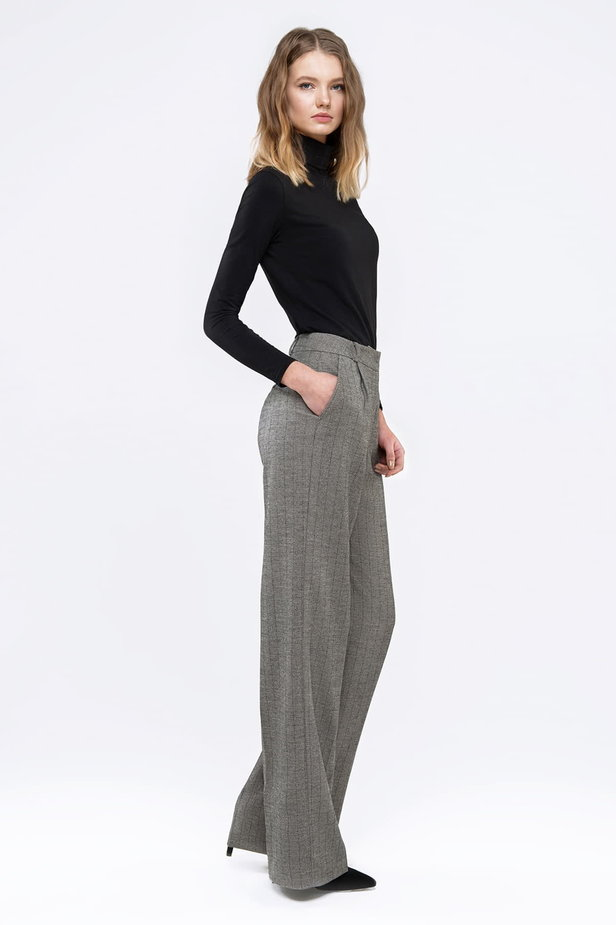 Straight pants with a black and white herringbone print photo 4 - MustHave online store