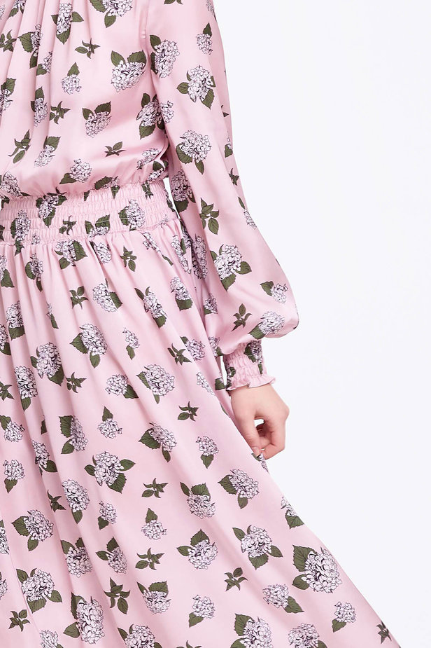Pink dress with pleats and a floral print photo 3 - MustHave online store