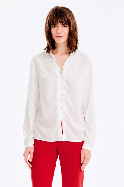 Milky shirt with buttons