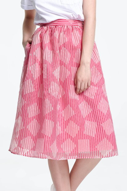 Below the knee striped pink skirt, rhombs print