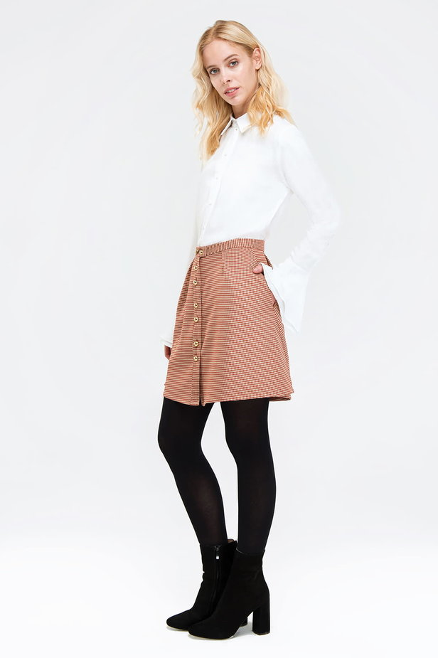 Mini flared skirt with a brown houndstooth print and buttons photo 2 - MustHave online store
