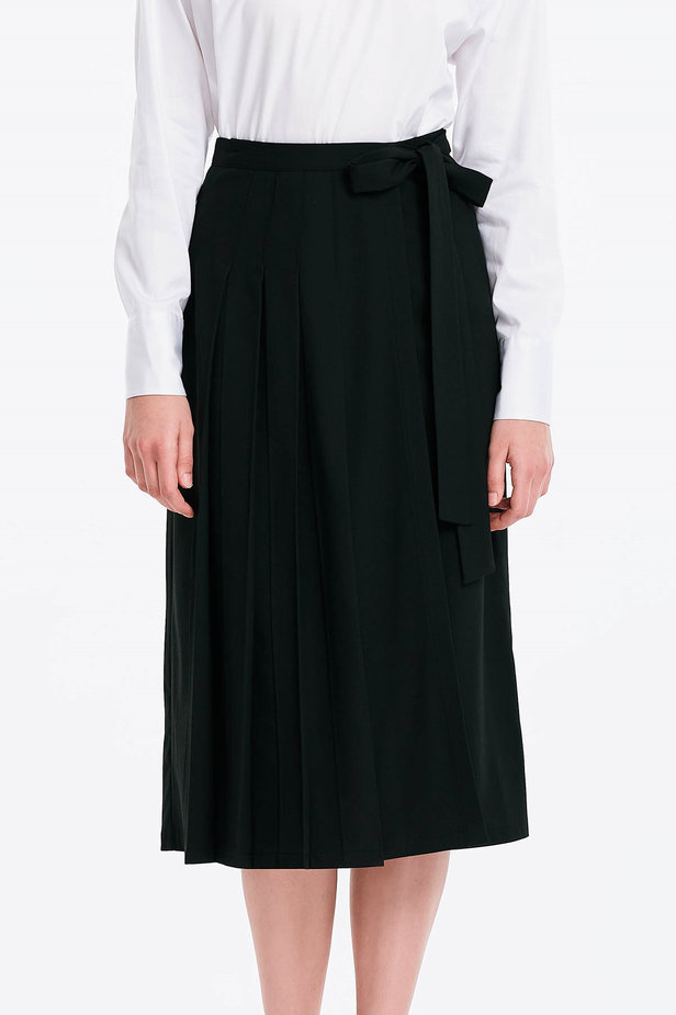 Wrap black skirt with a belt photo 1 - MustHave online store