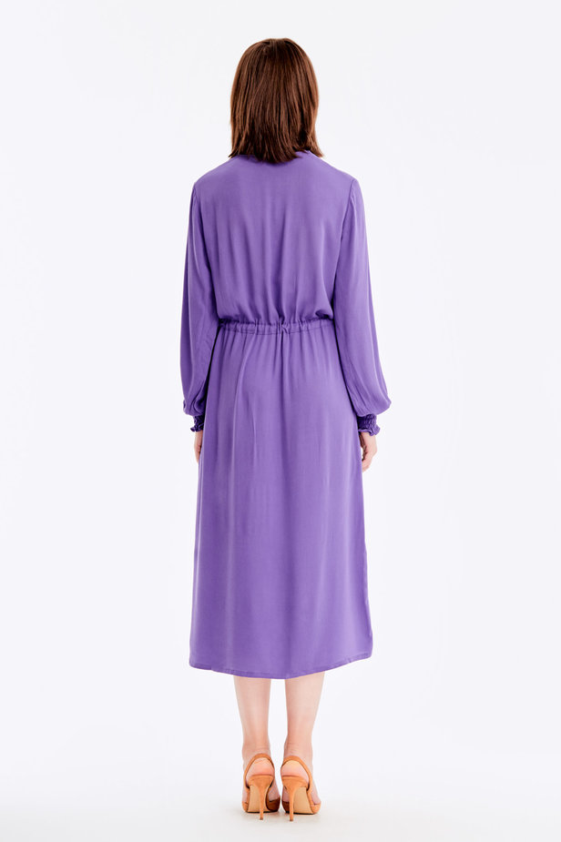 Violet dress with a keyhole photo 7 - MustHave online store
