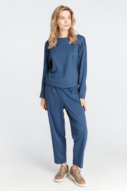 Blue knit trousers on the drawstring
