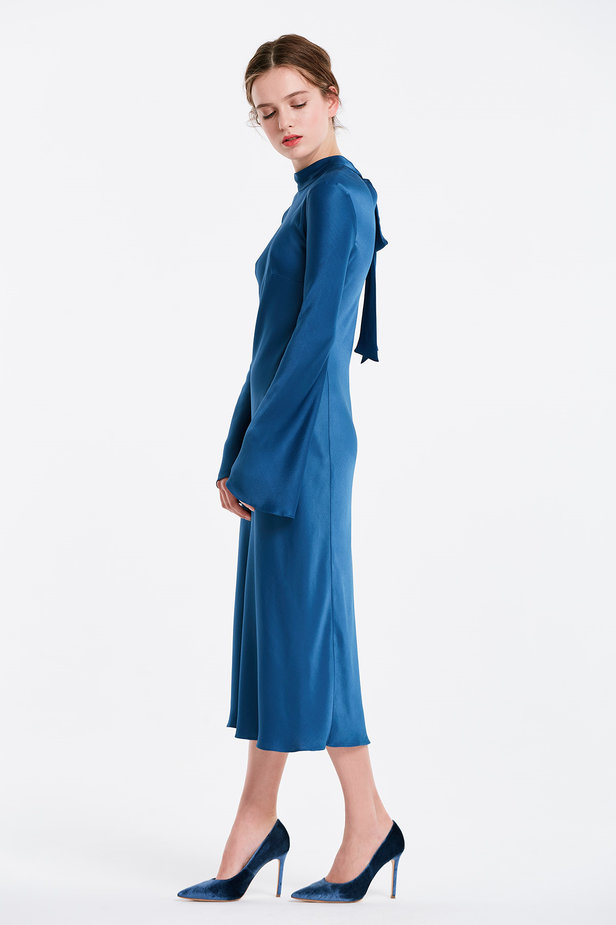 Blue dress with a bow at the back and flared sleeves photo 4 - MustHave online store