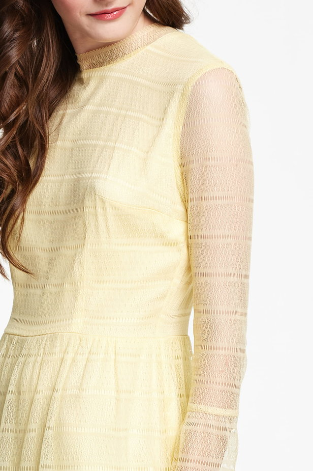 Mini yellow lace dress with flounced sleeves photo 4 - MustHave online store