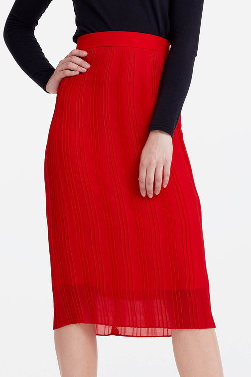 Below the knee pleated red skirt