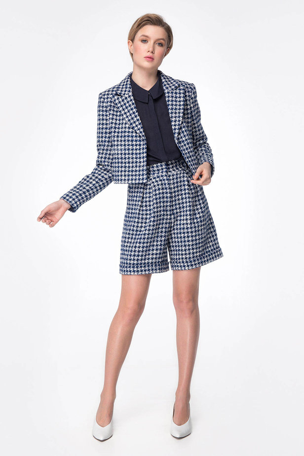 Shortened jacket with blue&white houndstooth print photo 3 - MustHave online store