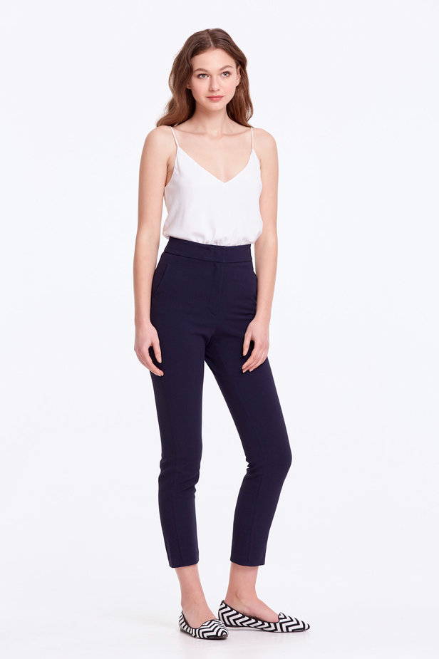 Short dark blue trousers photo 5 - MustHave online store