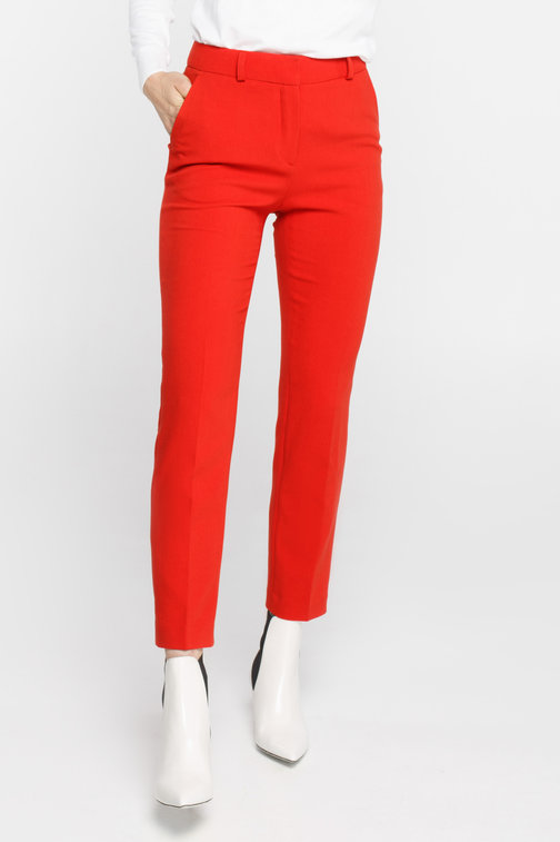 Red cropped trousers