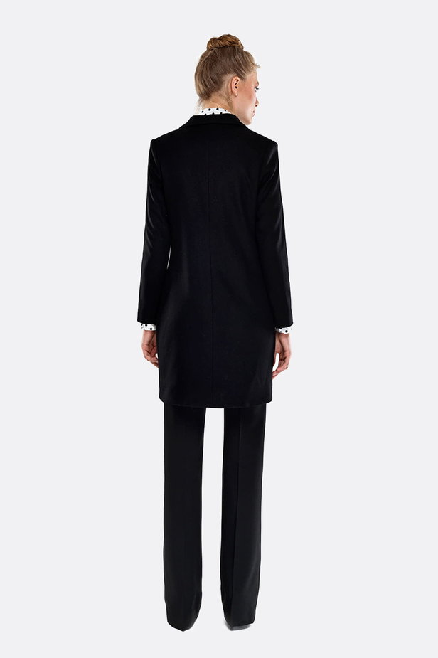 Black coat photo 5 - MustHave online store