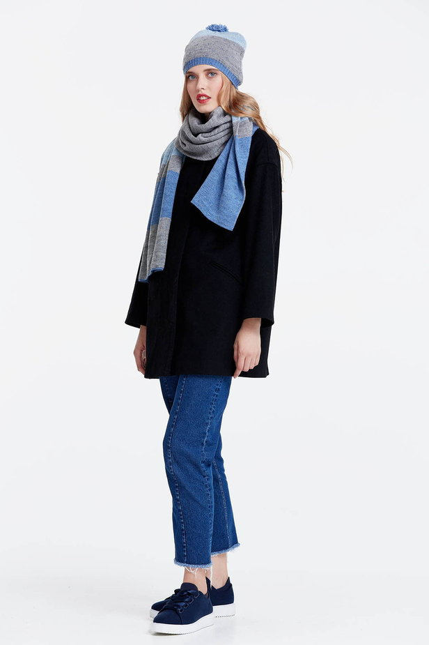 Grey scarf with blue stripes photo 3 - MustHave online store