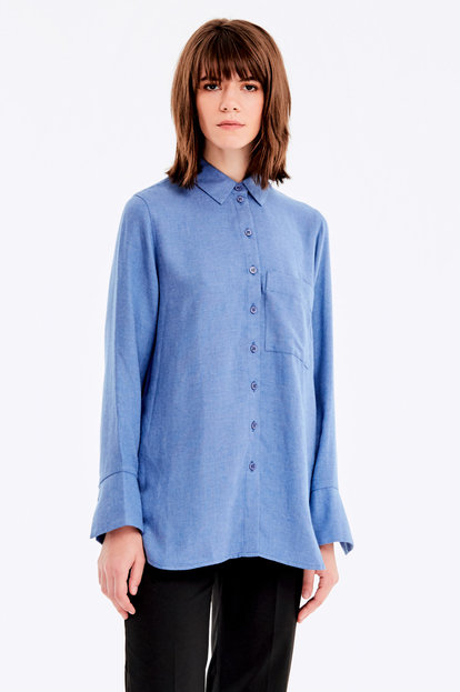 Blue shirt with a pocket
