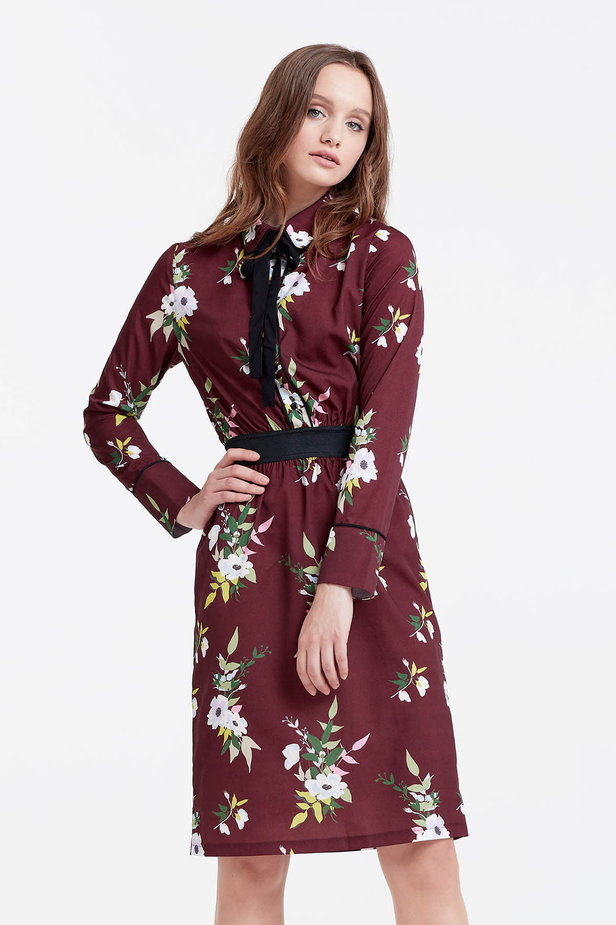 Brown dress with a floral print and a black bow photo 1 - MustHave online store