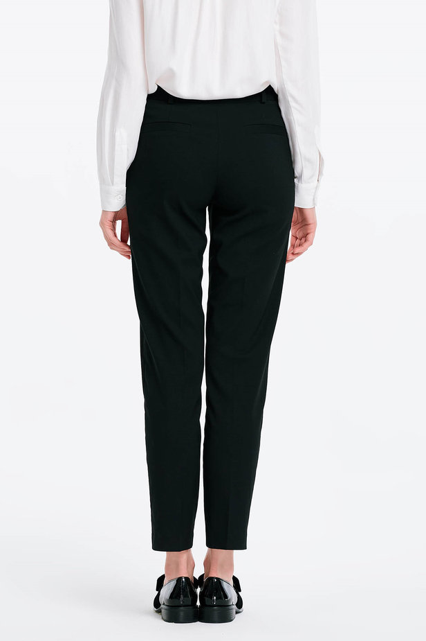 Short black trousers photo 2 - MustHave online store