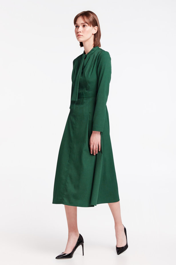 Green dress with a bow photo 3 - MustHave online store