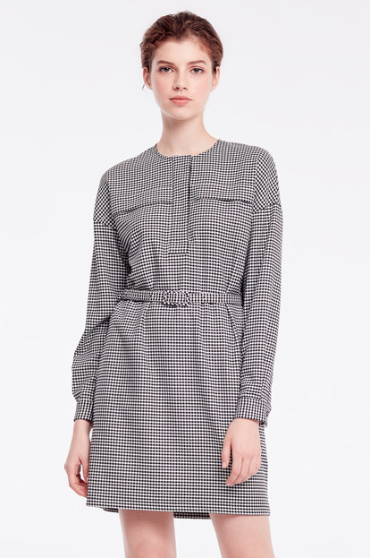 Short dress with black-and-white houndstooth print