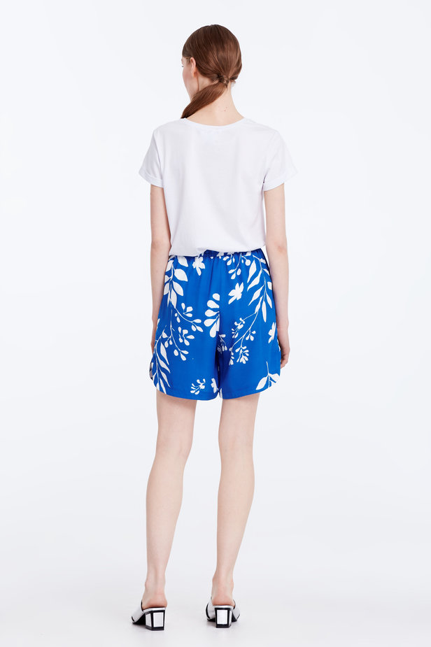 Blue shorts with white leaves photo 7 - MustHave online store