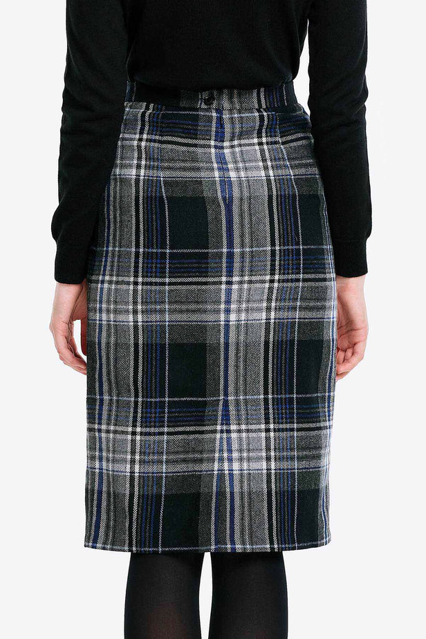 Сhecked skirt with pockets photo 2 - MustHave online store