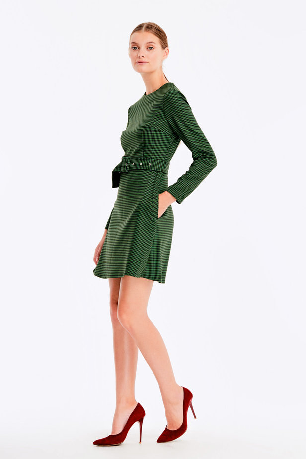 Green dress with a houndstooth print photo 4 - MustHave online store