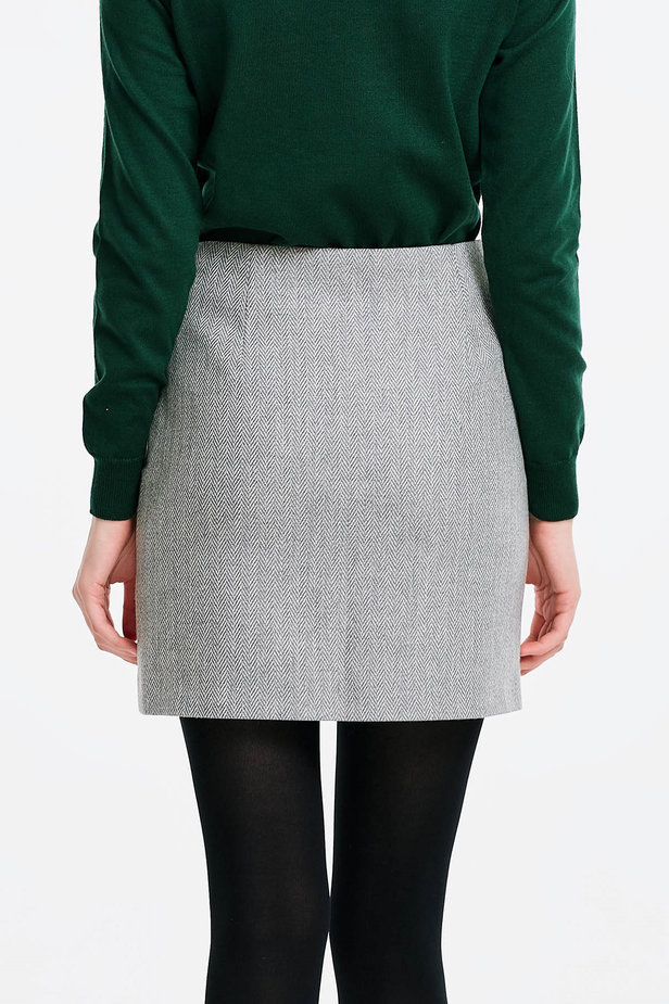 Skirt with a herringbone print and buttons photo 2 - MustHave online store