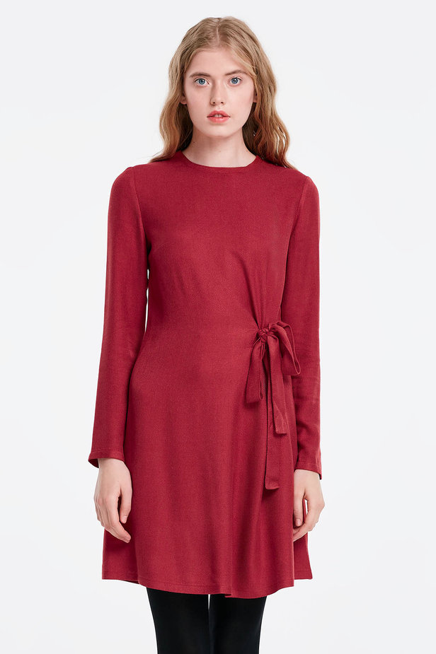 Red dress with ties photo 1 - MustHave online store