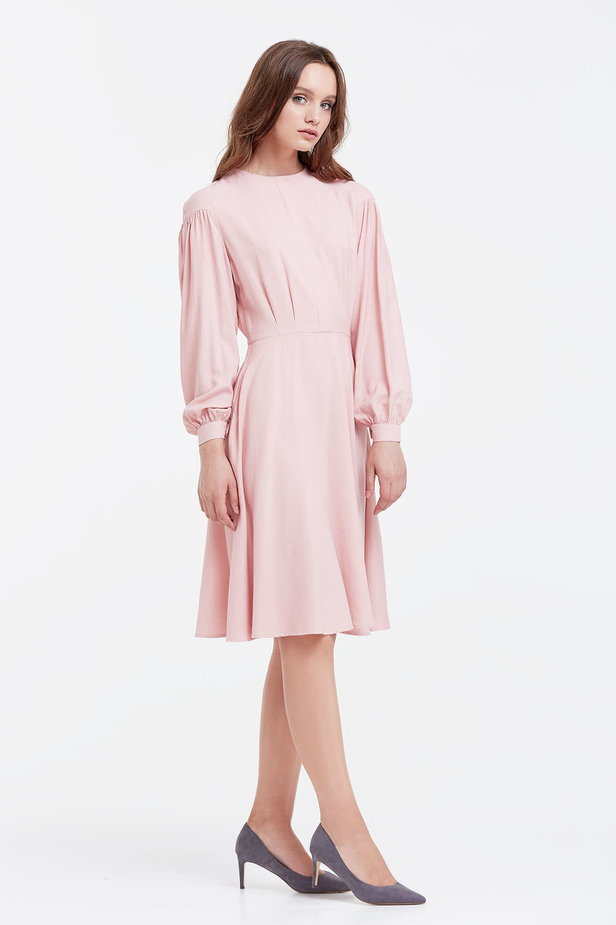 Powder pink dress with a concealed placket and balloon sleeves photo 5 - MustHave online store