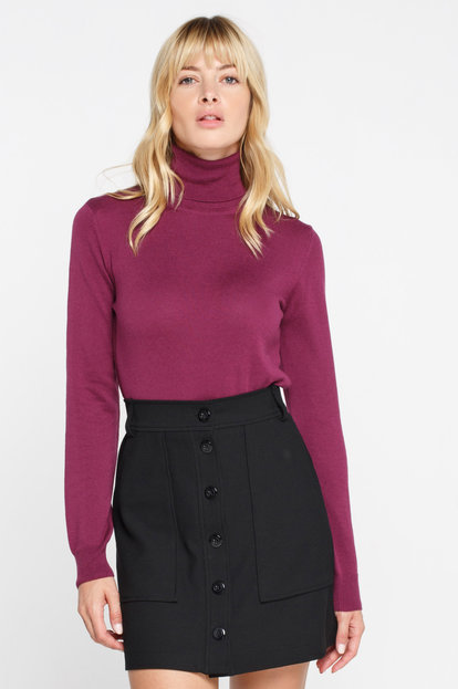Plum turtleneck with cotton