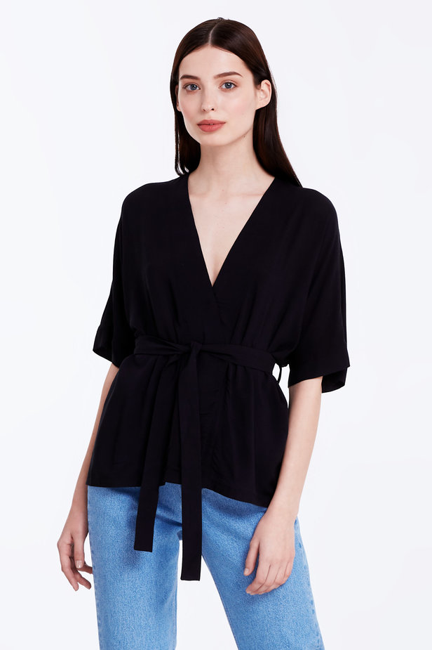Wrap black shirt with a belt photo 1 - MustHave online store