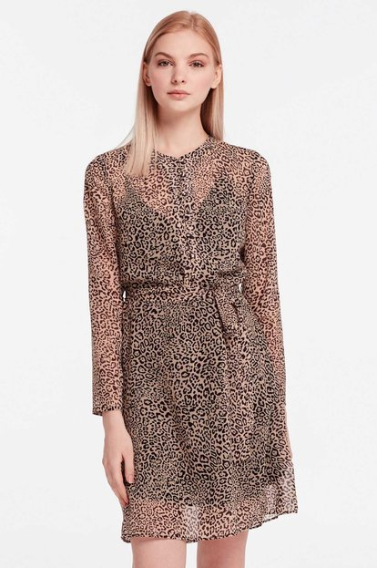 Above-knee dress with leopard print