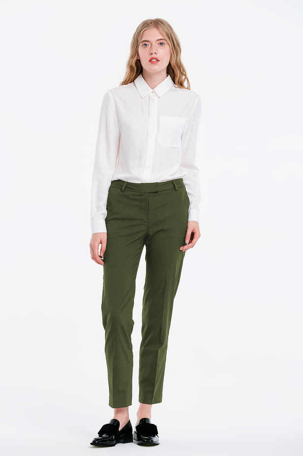 Short khaki trousers photo 2 - MustHave online store