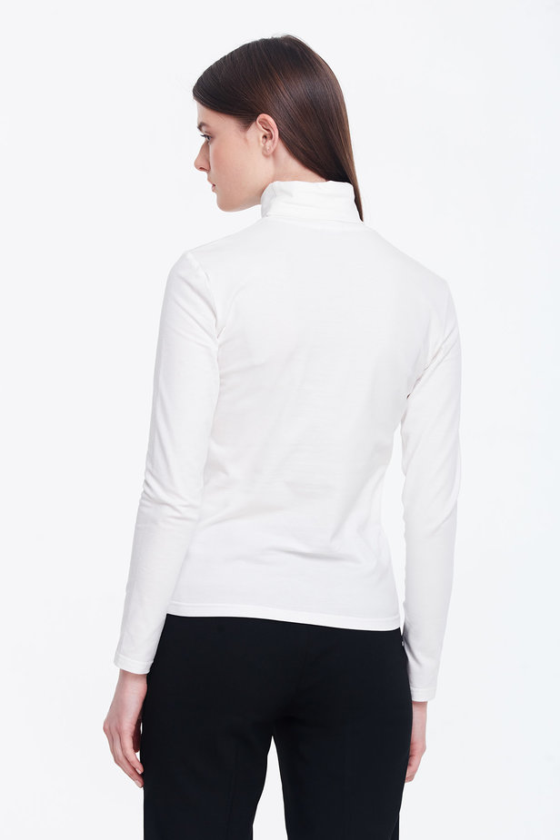 Milky polo neck photo 4 - MustHave online store