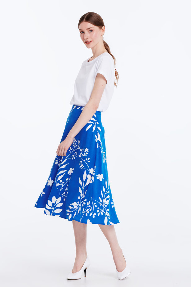 Midi blue skirt with white leaves photo 5 - MustHave online store