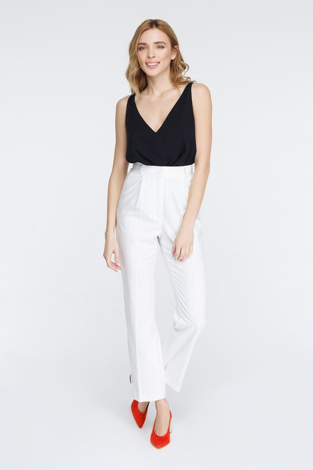 White pants with black stripes photo 2 - MustHave online store