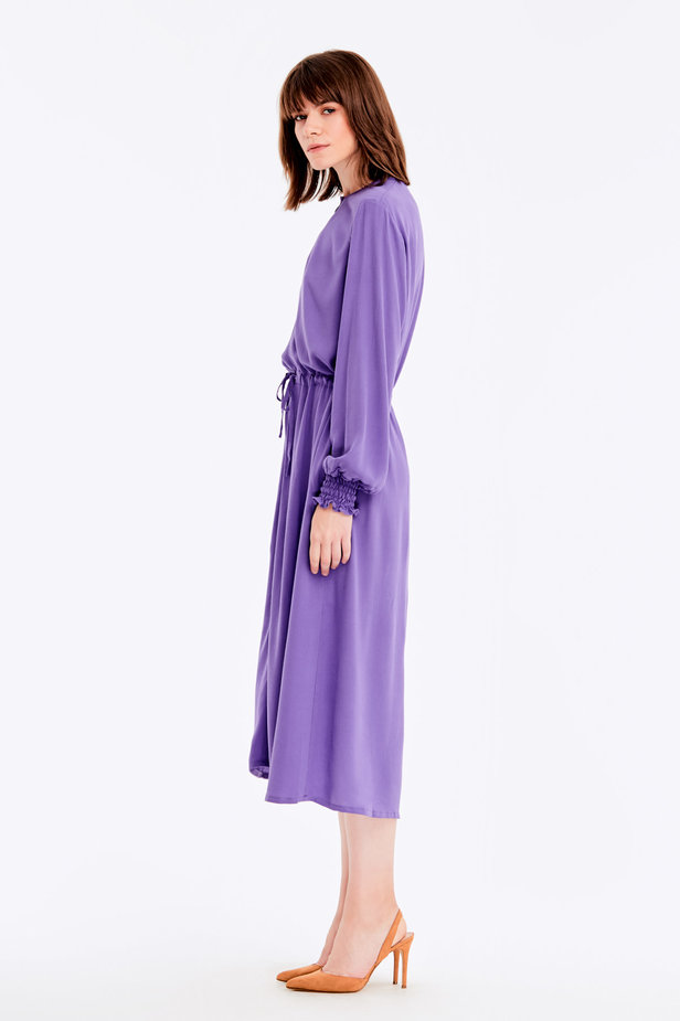 Violet dress with a keyhole photo 4 - MustHave online store
