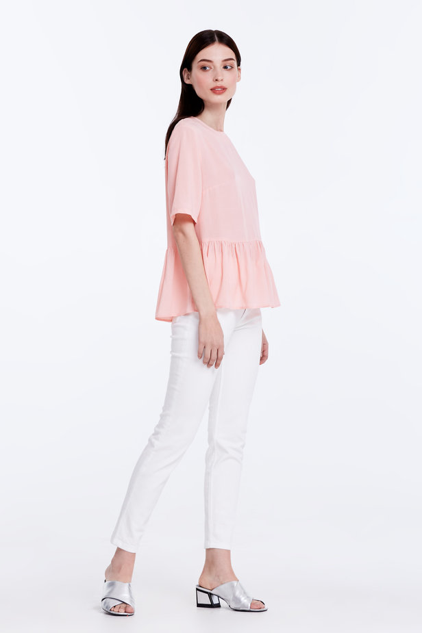 Powder pink top with a flounce photo 4 - MustHave online store