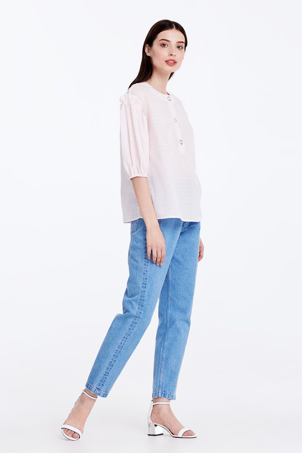 Light-pink shirt with ruffles photo 4 - MustHave online store